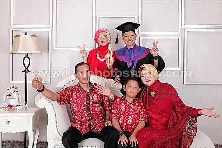 Graduation Romantic
